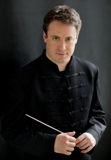 Julian_Kuerti_conductor__c._Dario_Acosta_.jpg