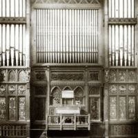 Music_Hall_organ_straight_two.jpg