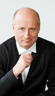 Paavo-Jarvi_2_credit_Julia-Bayer.jpg