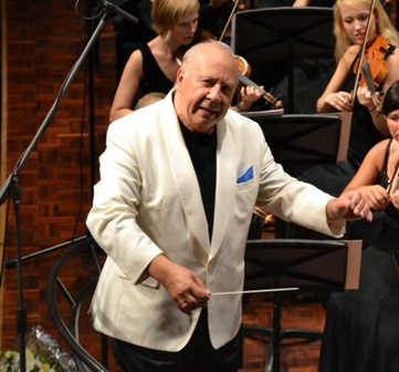neeme_leading_final_concert_of_jarvi_festival_80811_re-sized.jpg